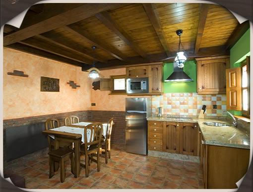 Dise o cocina casa rural - Cocina comedor rustico ...